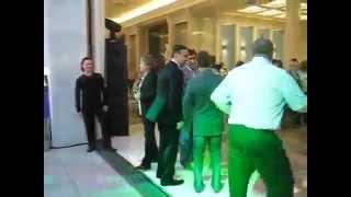 Медведев танцует. Американ бой. Полная версия(Медведев Медведев танцует Продолжение КВН СОК ПриМа funny dance dancing comedy humor sketch comedian comic jokes humour sitcom comedy ..., 2012-05-23T18:48:18.000Z)