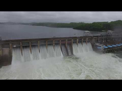 Lake of the Ozarks Flooding 4-30-17 10 out of12 gates Open