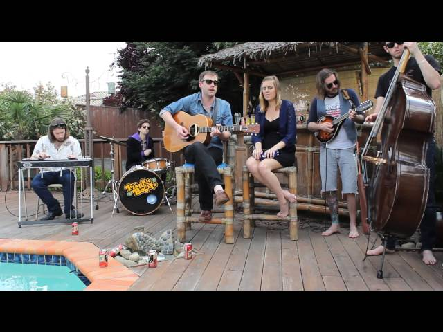 "Frankie Boots And The County Line ""Fooled 'Em All"" Live From A Tiki Bar"