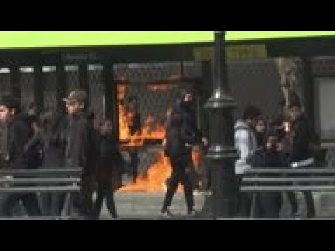 Violence erupts during student protest in Chile