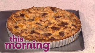 Jamie Oliver Cooks His Panettone Pudding Tart | This Morning