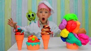 Рома и Хелпик играют с цветным мороженным Kids Pretend Play with colored Ice Cream from play doh