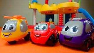 Видео для детей. Фабрика игрушек и новые машинки. Игрушки для самых маленьких(Видео для детей про машинки, которые привезли в магазин игрушек. Новые машинки привозит игрушечный автовоз...., 2016-02-09T06:44:50.000Z)