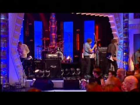 McFLY Transylvania - Star Girl - Don't Stop Me Now at Al Murray Happy Tour (27 - 1 - 07)