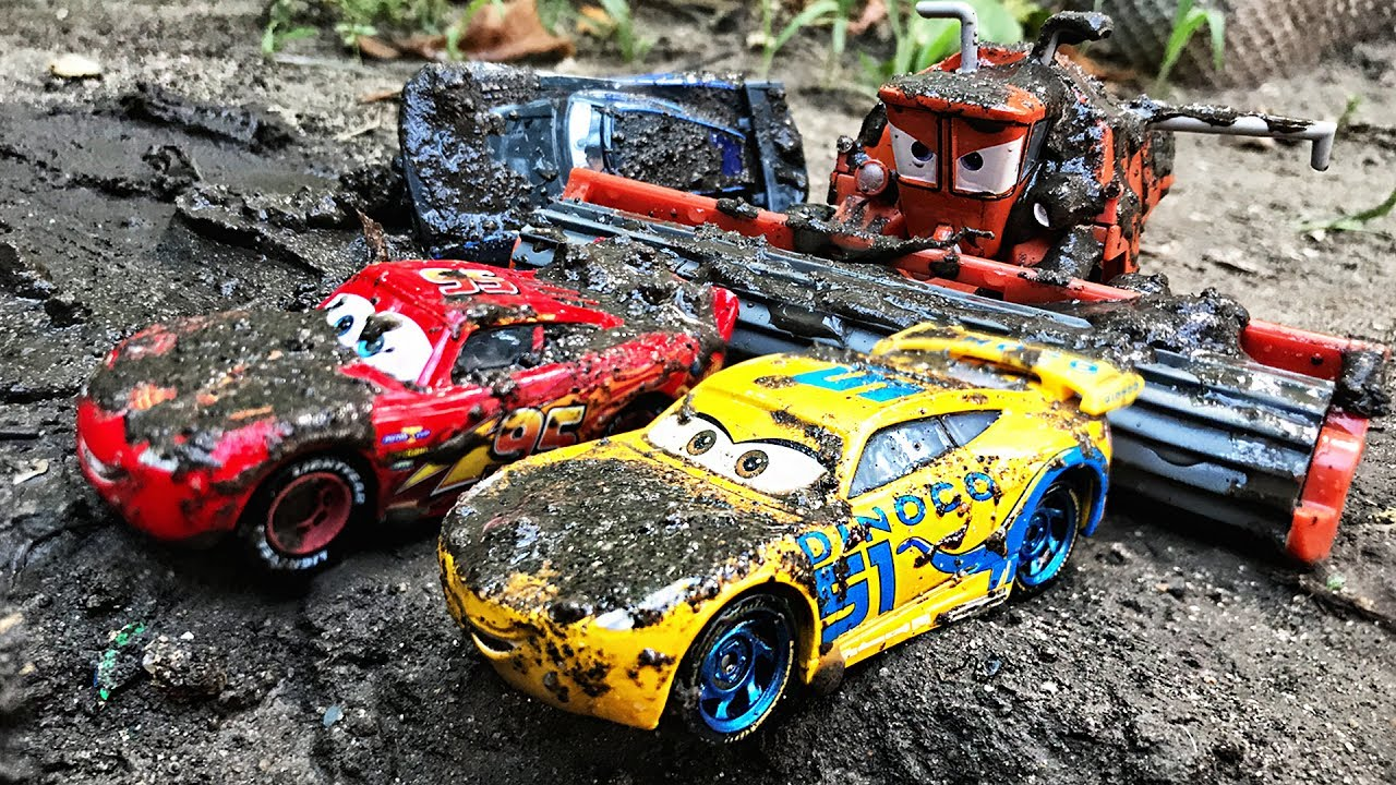 disney cars lightning mcqueen tipping fun race disney pixar cars 3 cartoons videos for children