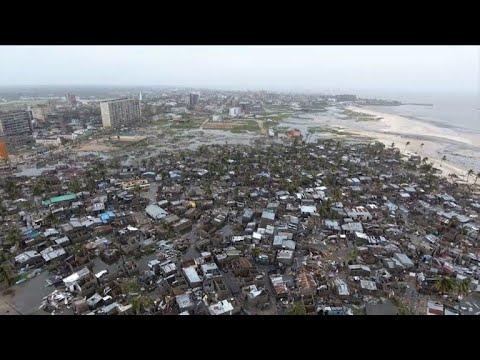 Cyclone Idai pummels Zimbabwe and Mozambique