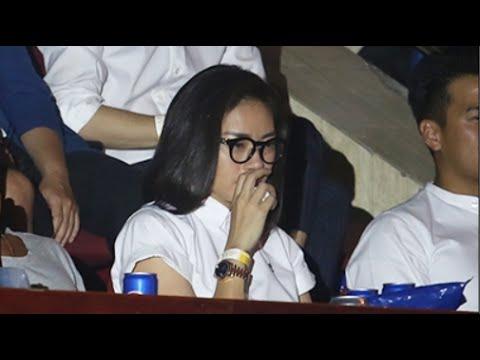 Ngô Thanh Vân cùng người hâm mộ liên tục lau nước mắt trong liveshow cuối cùng của 365