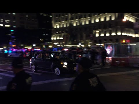 Pope Francis Motorcade Being Escorted Through Manhattan By The United States Secret Service & NYPD