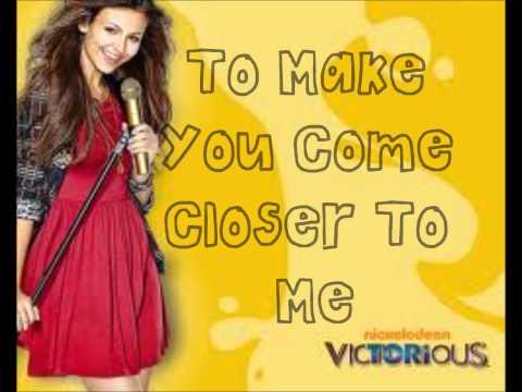 Victoria Justice & Leon Thomas~ 365 Days ~ Lyrics On Screen