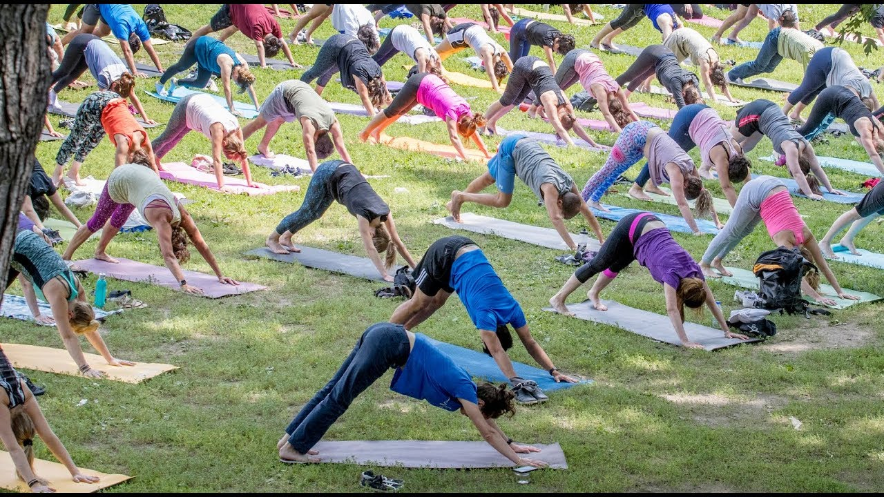 Outdoor yoga at McGill University