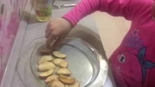 Как приготовить шарлотку с яблоками в микроволновке за 10 минут!