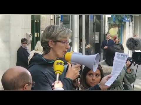 Concentración en Pontevedra en apoyo a los agentes desplazados