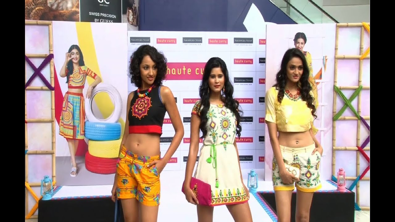 beautiful indian college girls walk the ramp at haute curry's