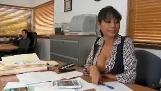 Mudur sekreterini sikiyor