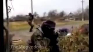 Ополченцы Донбасса ведут бой с укропами  Жесть
