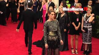 Kristen Stewart arrives at 2014 Met Gala Redcarpet