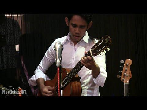 Glenn Fredly - Masih Ada @ Mostly Jazz 29/06/2012 [HD]