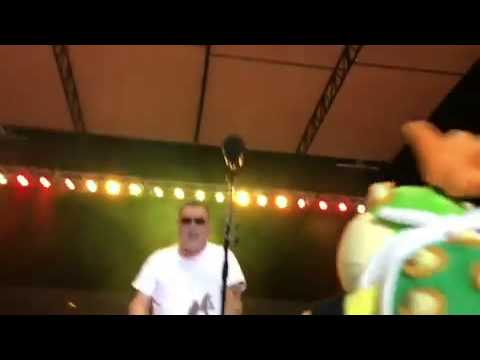 Bowser Junior Sings With Smash Mouth