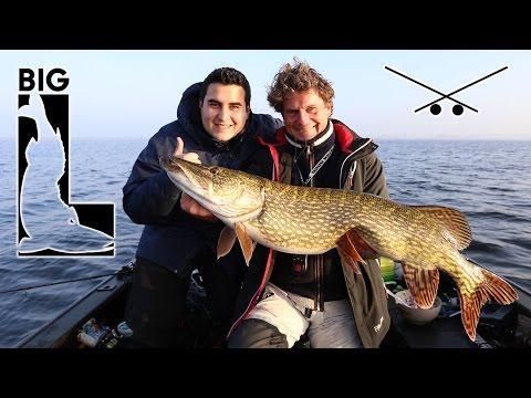 Worauf stehen große Hechte? Uli Beyer und Big L angeln mit Gummifisch und Wobbler