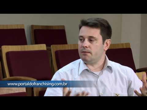 Paulo André Serrano, gerente geral da Cia. Hering - Bastidores do Franchising