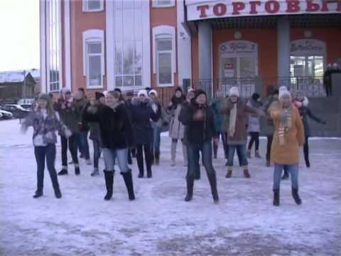 Школьники Шадринска провели флешмоб за здоровый образ жизни