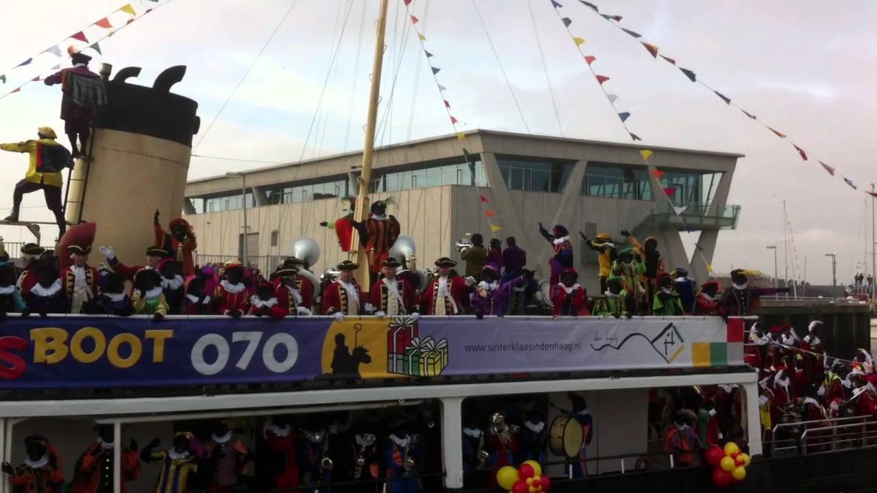 Sinterklaas Intocht Den Haag Stoomboot Pakjesboot 070 Zwarte Piet Rolando Landelijke Intocht Youtube