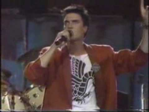 DURAN DURAN - a view to a kill (live 1985)