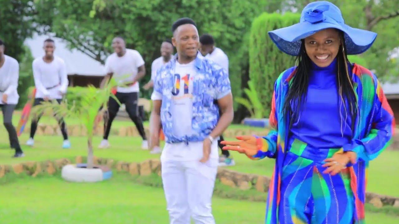 Download Garzali Miko (Takun Soyayya) Latest Hausa Song Original Video 2020# Ft Momee Gombe