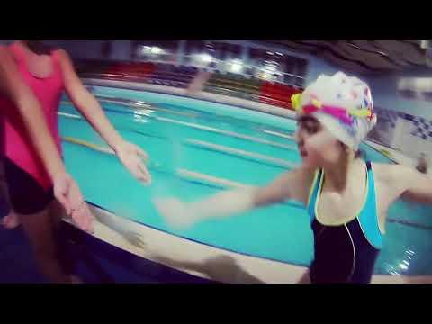Üzgüçü Qızlar - Swimmer Girls