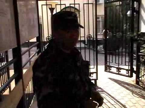 В посольстве Киргизии в Москве испугались штурма
