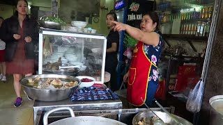 Bun Bo Hue in DANANG Vietnam - Vietnam Vlogs