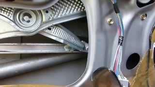 Comment démonter un lève vitre sur Toyota Yaris 1