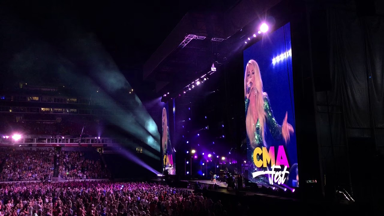 """""""Cry Pretty"""" (live) - Carrie Underwood @ CMA Fest 2018"""