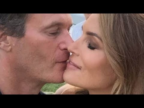 Cindy Crawford's Marriage Is Officially Beyond Just Weird