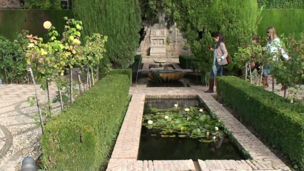 Alhambra granada generalife the lower garden youtube for Generalife gardens