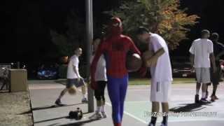 Офигенные трюки в баскетболе! В костюме человека паука. Spiderman Plays Basketball Amazing Spiderman