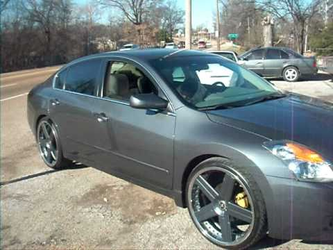 Nissan Altima on 22 inch savini rims