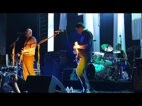 Smashing Pumpkins - Tonight, Tonight - Live In Concord