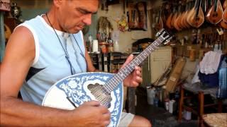 Игра на греческих народных инструментах