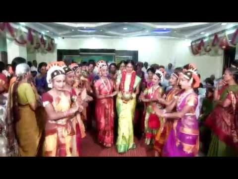 Telugu Pelli Paatalu | Traditional Telugu Marriage Video Songs