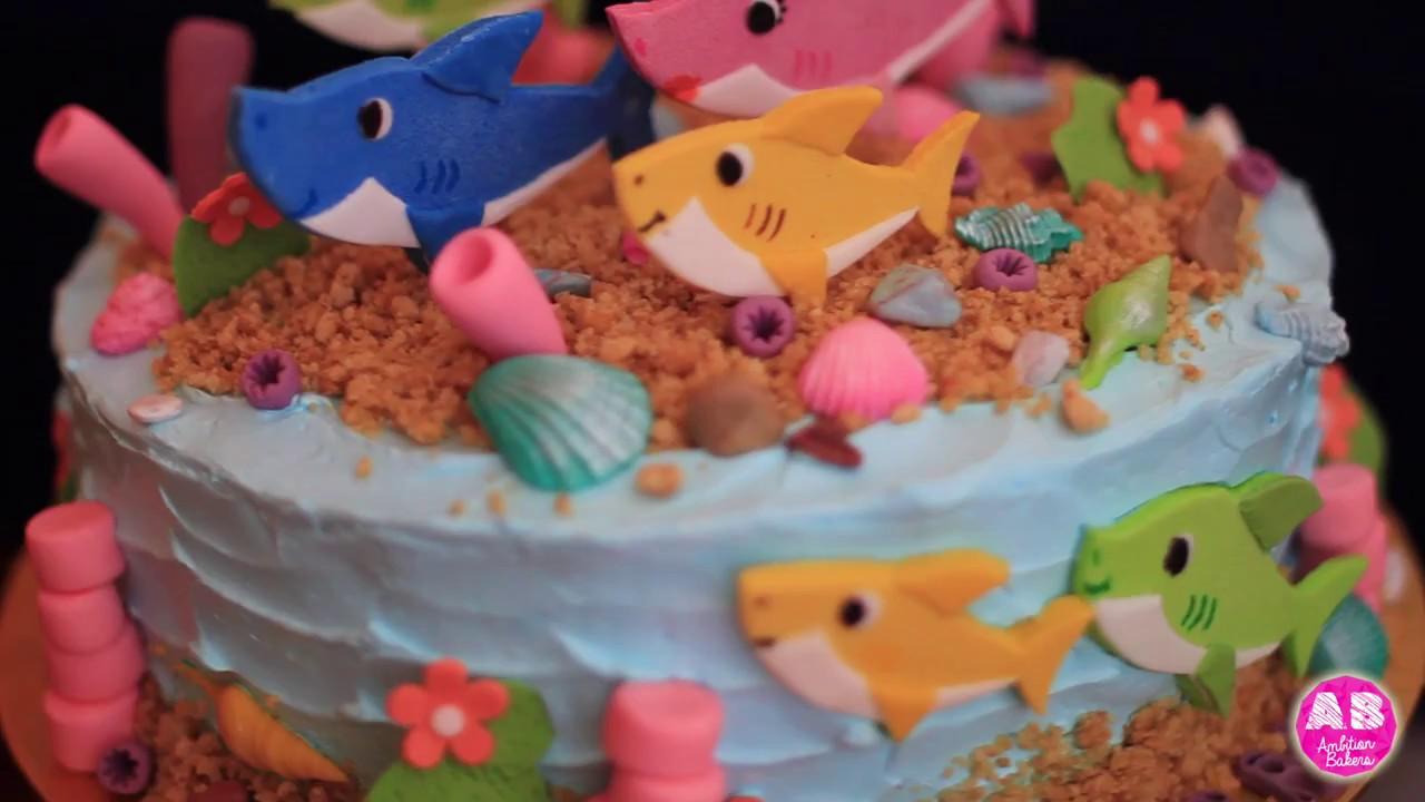 Baby Shark Doo Cake