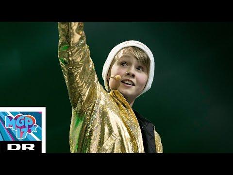 Bastian - Frikvarter | Musikvideo (LIVE - Komplet nummer) | MGP 2017 | Ultra