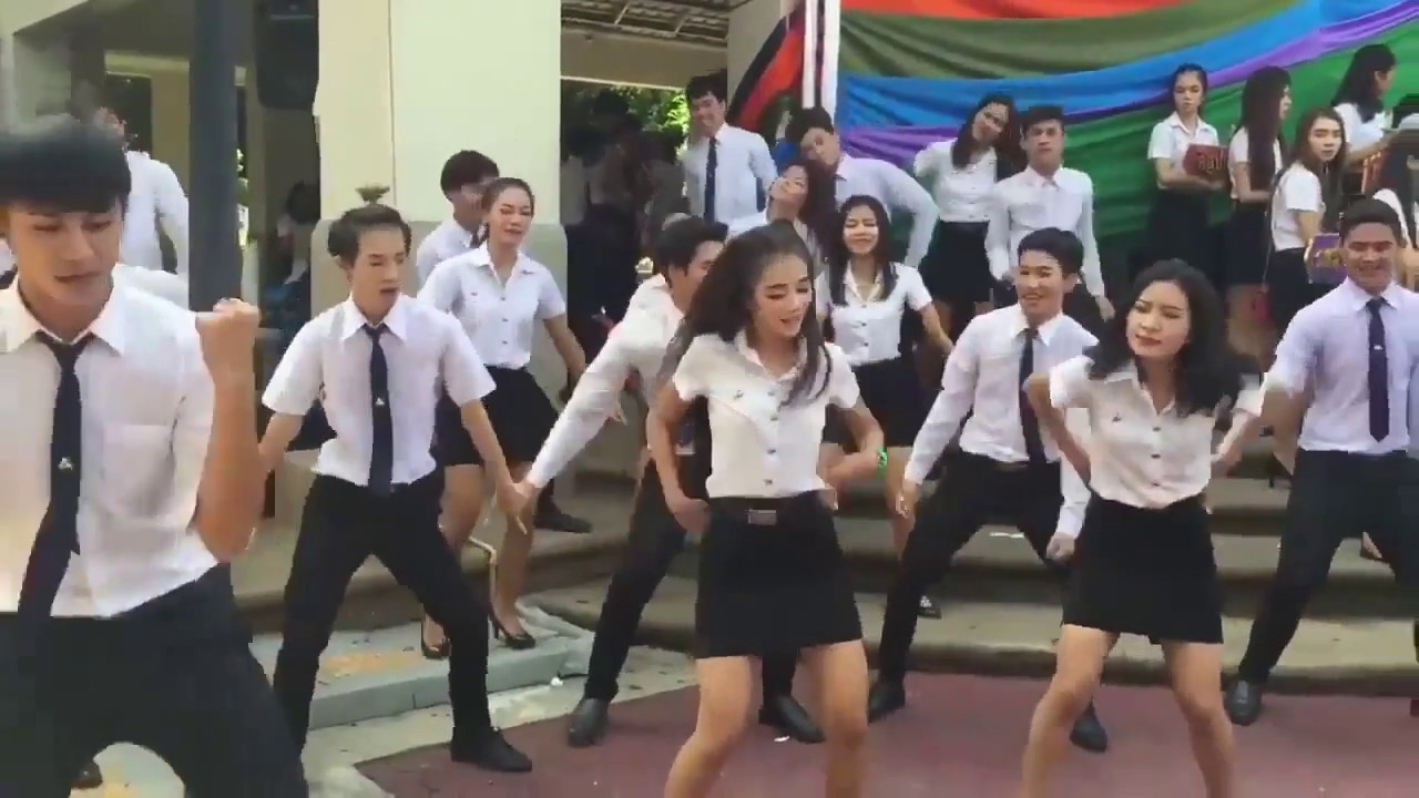 Handsome Men And Beautiful Girl Thai Students Dance - Youtube-2490