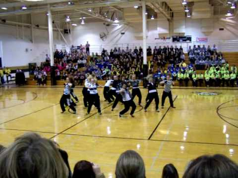 Lincoln Way East Poms Hip Hop 2009 Youtube
