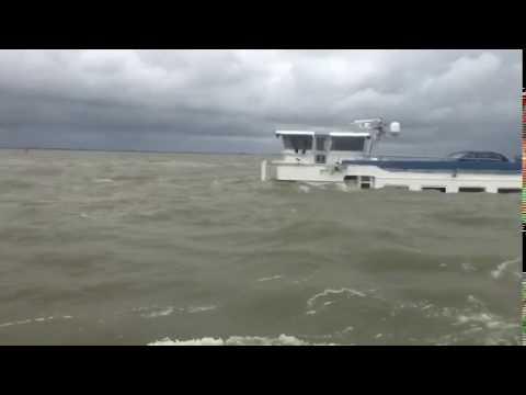 Binnenvaartschip gezonken op het IJsselmeer