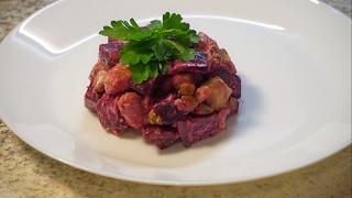 Очень вкусный мясной салат. Свекла с индейкой!