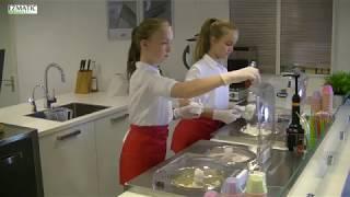 Vers ijs uit de Ezmatic Gelato Machine met Juliette en Vera