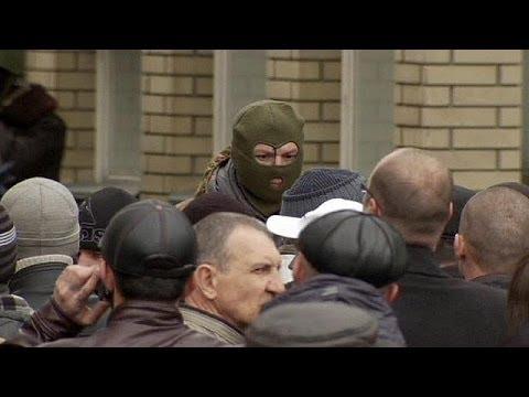 Ukraine: pro-Russian militants seize second building in Slavyansk