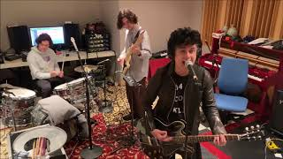 Billie Joe Armstrong With His Sons  - I Think We're Alone Now