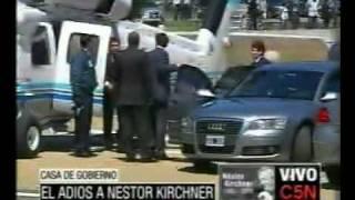 C5N- MURIO NESTOR KIRCHNER: LLEGADA DE CRISTINA Y FLORENCIA KIRCHNER